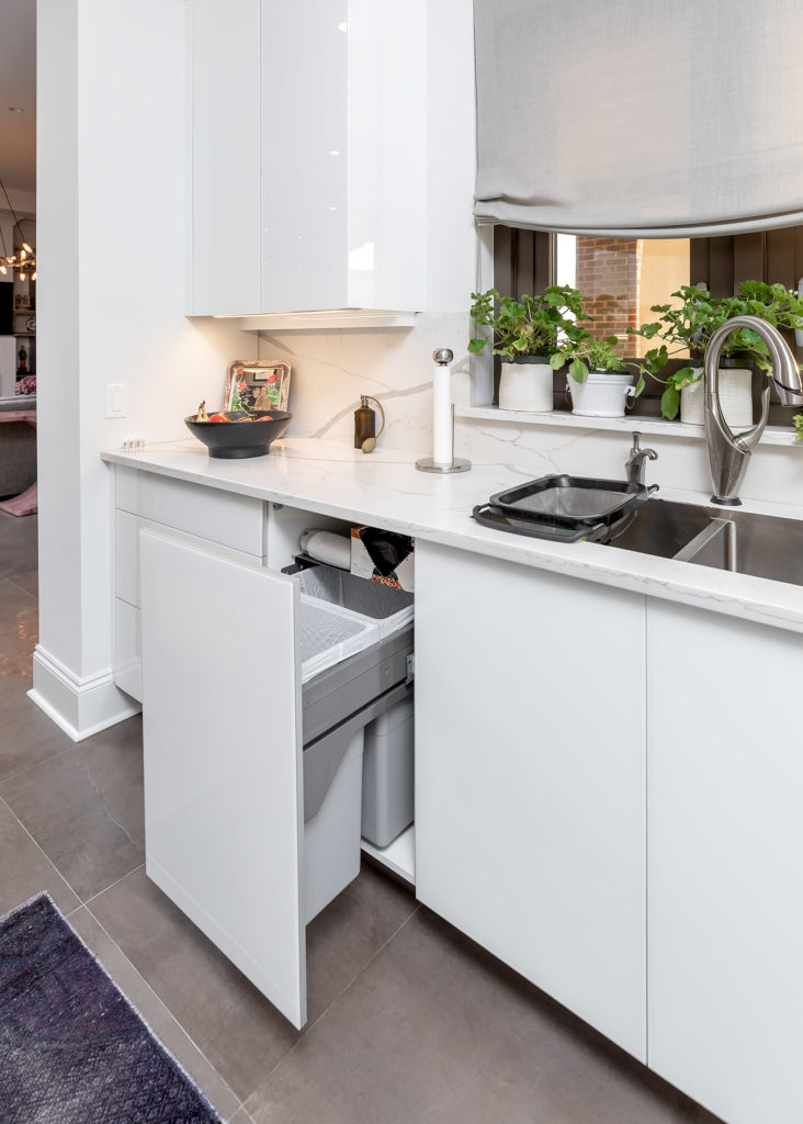 White Glass Panel Trash Pull-Out