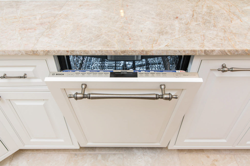 Peaks Kitchen Paneled Dishwasher