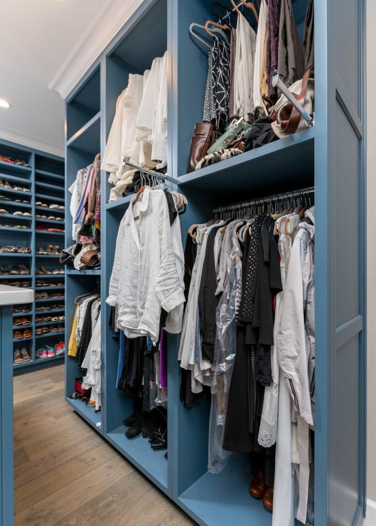 Master Closet Short Haning
