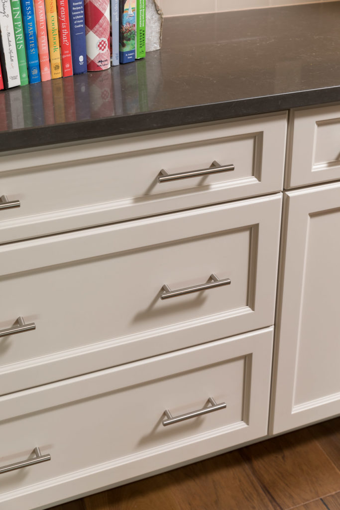 Creary Top Knobs Pulls