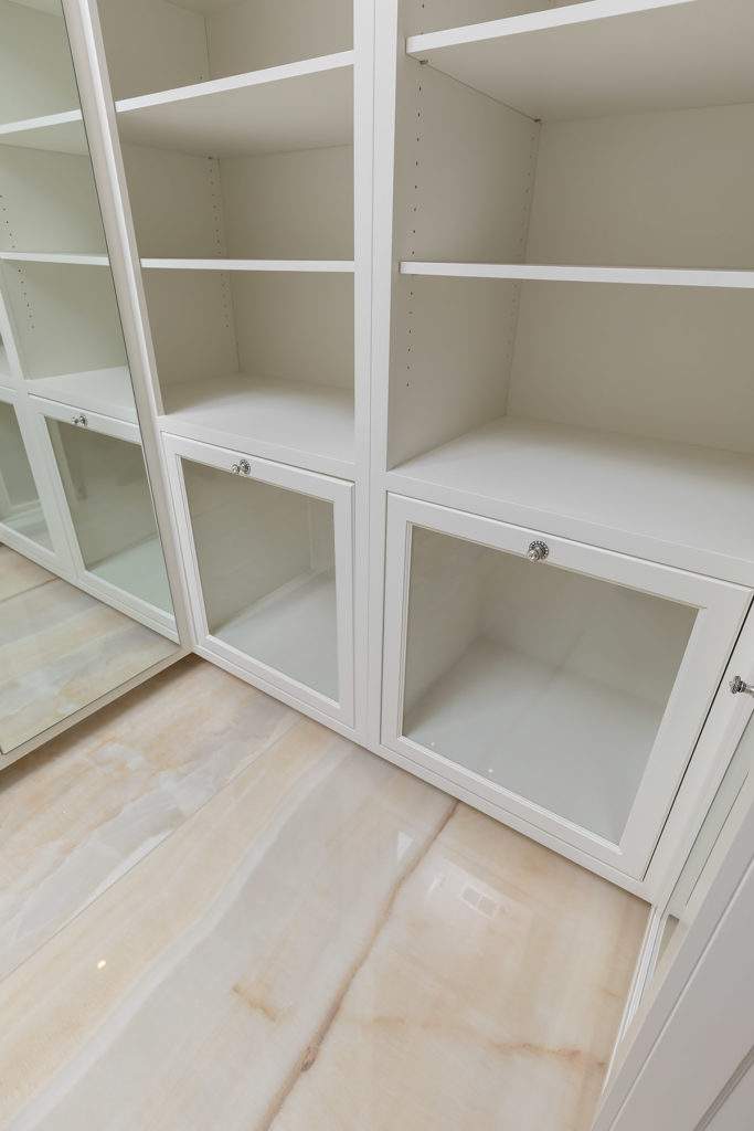 Elegant White Closet Boot Drawers